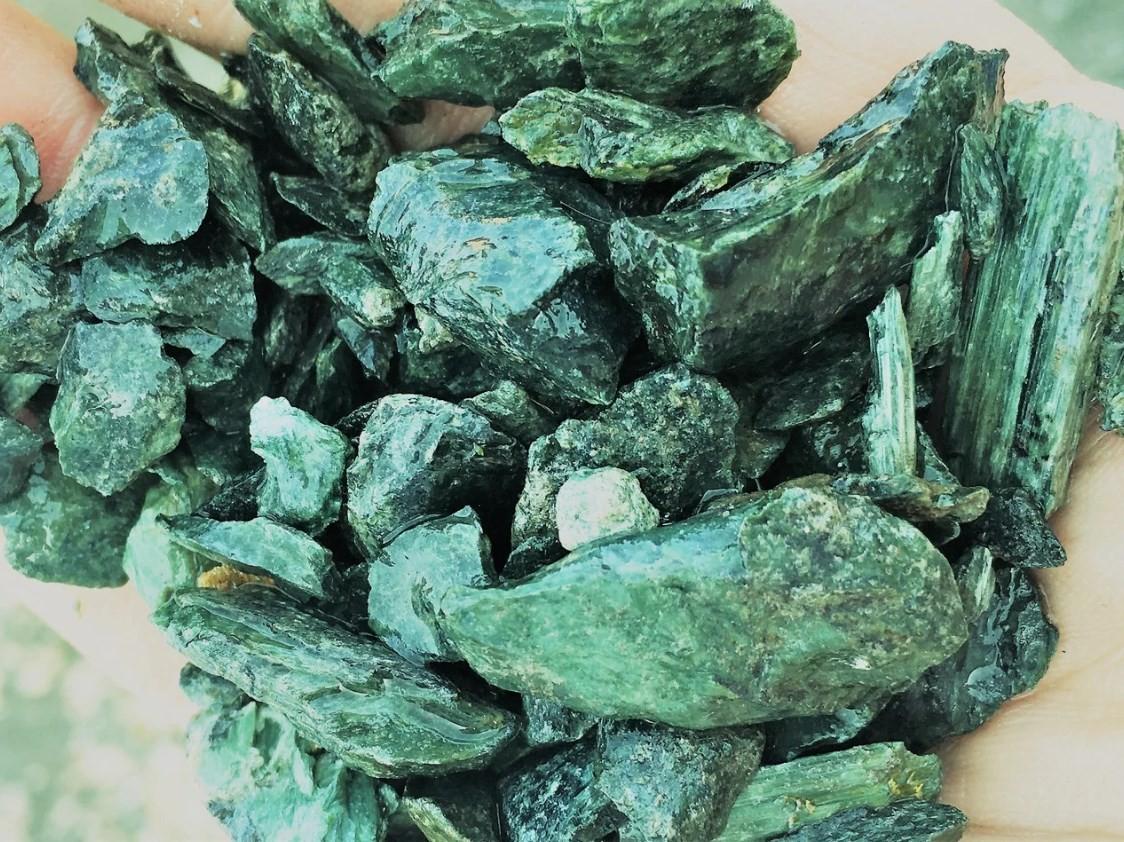 Серпентинит щебень 20-40 мм